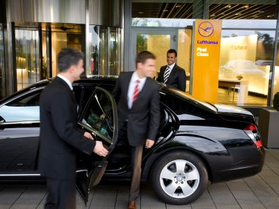 Houston Chauffeur Services, Executive Airport Transfers, Corporate Travel, Events, tours, Weddings, Professional, Black Car Service, Valet Service, Sedan, SUV, Charter Bus, Shuttle, Limo