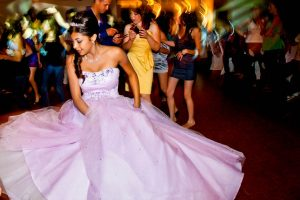 Houston Quinceanera Limo Rentals, white limousine, party bus, shuttle, charter, sedan, sweet 16, birthday, transfers, one way, round trip, venue, events