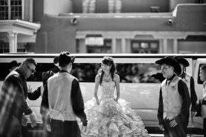 Houston Quinceanera Limousine Services, white limo, party bus, shuttle, charter, sedan, sweet 16, birthday, transfers, one way, round trip, venue, events
