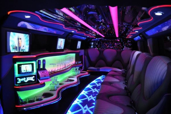 Houston Hummer Limousine Rates, White, Black Car Service, Wedding, Round Trip, Anniversary, Nightlife, Getaway, Birthday, Brewery Tour, Wine Tasting, Funeral, Memorial, Bachelor, Bachelorette, City Tours, Events, Concerts, Airport, SUV, Limo