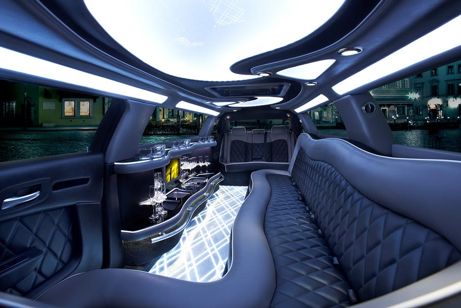 Houston Chrysler 300 Limousine Rates, Limo, White Black Car Service, Black Car, Wedding, Round Trip, Anniversary, Nightlife, Getaway, Birthday, Brewery Tour, Wine Tasting, Funeral, Memorial, Bachelor, Bachelorette, City Tours, Events, Concerts