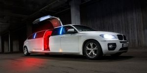 La Marque Limousine Services, Limo, Chrysler 300, Lincoln, Cadillac Escalade, Excursion, Hummer, SUV Limo, Shuttle, Charter, Birthday, Bachelor, Bachelorette Party, Wedding, Funeral, Brewery Tours, Winery Tours, Houston Rockets, Astros, Texans